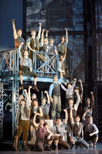 Joey Barreiro (Jack Kelly) (center) and the North American Tour company of Disney's NEWSIES. ©Disney. Photo by Deen van Meer.